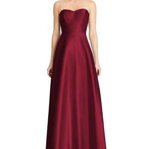 NWOT Alfred Sung Strapless Sateen Gown #D748